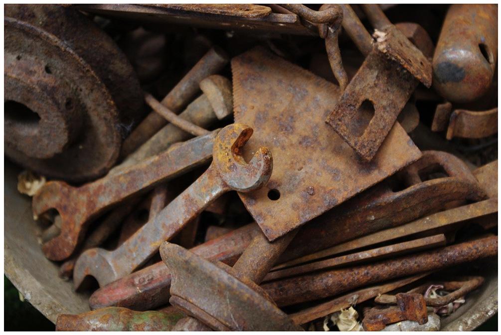 Figura 5: Ferramentas enferrujadas que sofreram oxidação expostas ao ar